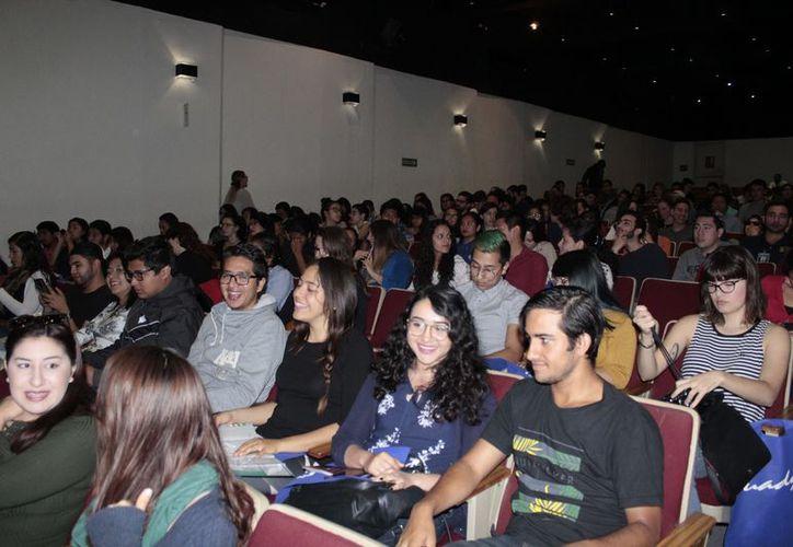 Llegan estudiantes de países como Francia, España, Alemania, entre otros. (SIPSE)