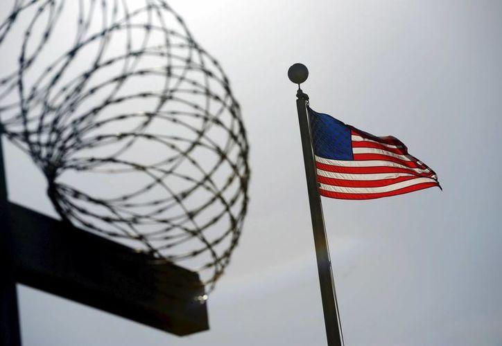 La administración Obama indica que el Congreso ha bloqueado reiteradamente sus esfuerzos por cerrar la prisión de Guantánamo. (Archivo/AP)