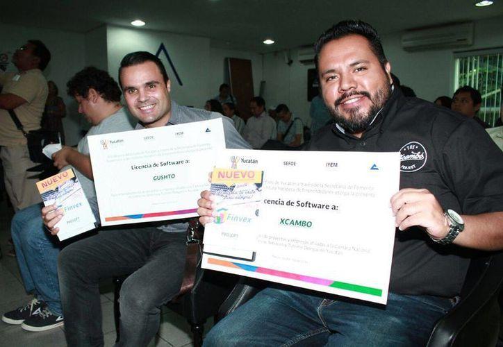 Empresas y emprendedores de Yucatán recibieron apoyos (programa de software) para mejor control administrativo. (Jorge Acosta/SIPSE)