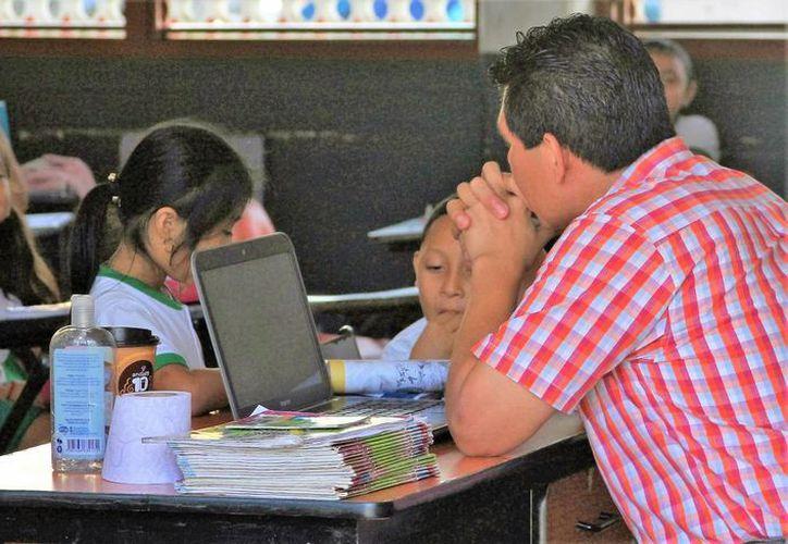Durante este ciclo escolar no se entregarán tabletas nuevas a estudiantes de Quintana Roo. (Carlos Horta/SIPSE)