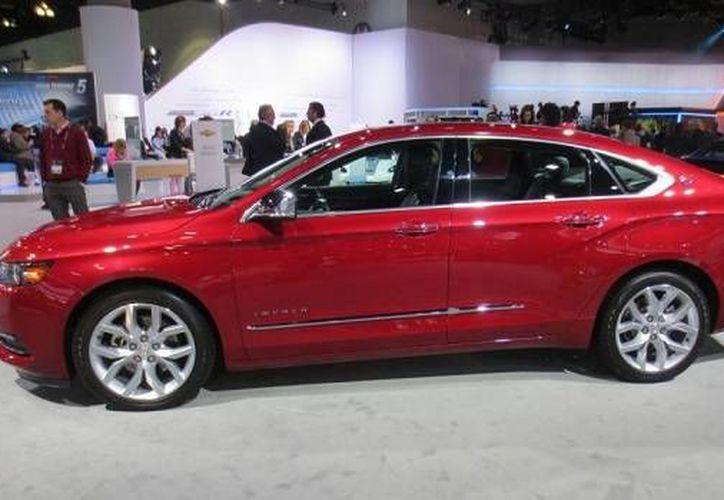 Ayer se firmó un compromiso entre la STPS y Chevrolet. (Israel Leal/SIPSE)