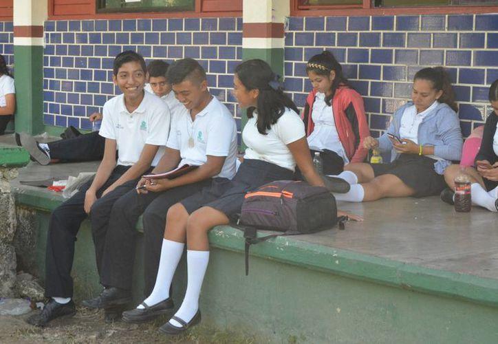 Más de cuatro mil alumnos de preparatorias decidieron dejar sus estudios. (Foto: Eddy Bonilla)