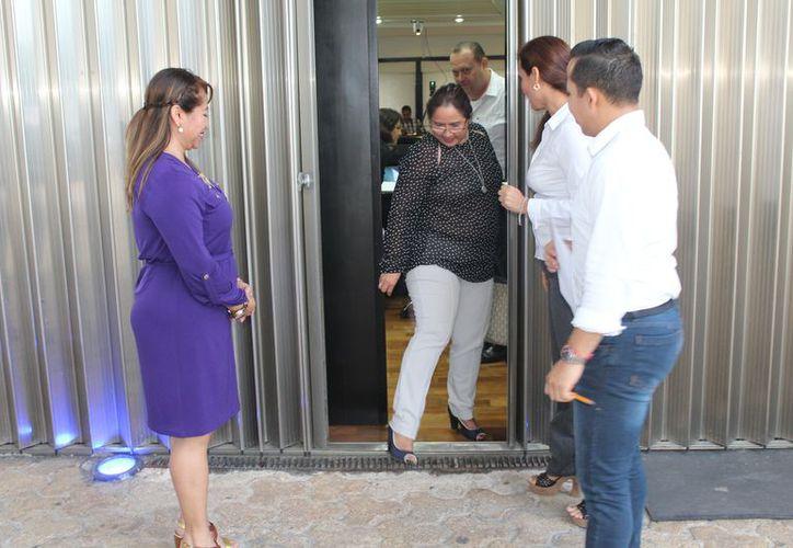 Las entrevistas fueron realizadas en cuatro bloques, los tres primeros con cuatro aspirantes y el último con tres candidatos. (Joel Zamora/SIPSE)
