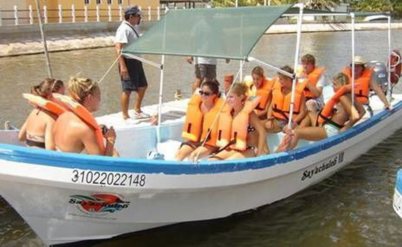 Preparan a expertos en el servicio al turismo. (Milenio Novedades)