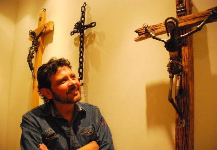 Huerta dijo que cada una de sus creaciones las concibe como obras artísticas y no como objetos comerciales.(facebook.com/pages/Roberto-Huerta-Reciclarte)