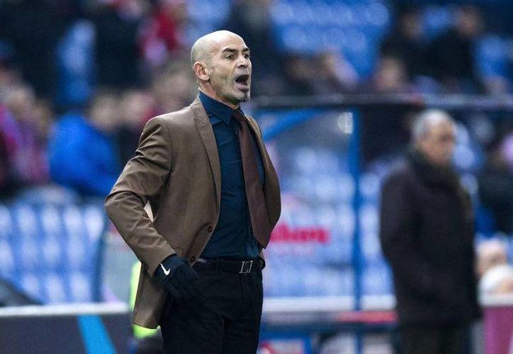Cruz Azul tiene por primera vez en su historia a un entrenador español, y al mismo tiempo Paco Jémez dirigirá por vez primera fuera de su país. (mediotiempo.com)