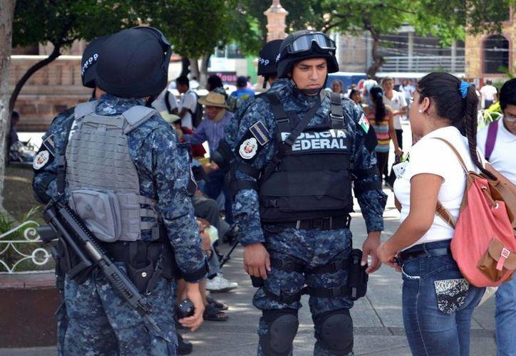 Elementos de la Gendarmería durante un patrullaje en Iguala, Guerrero. Se espera que la Gendarmería llegue pronto a Morelia. (Foto de archivo de Notimex)