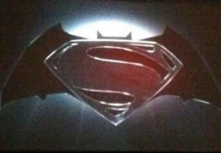 El logo de la película de Zach Snyder fue anunciado en el Comic-Con de San Diego.(Milenio)