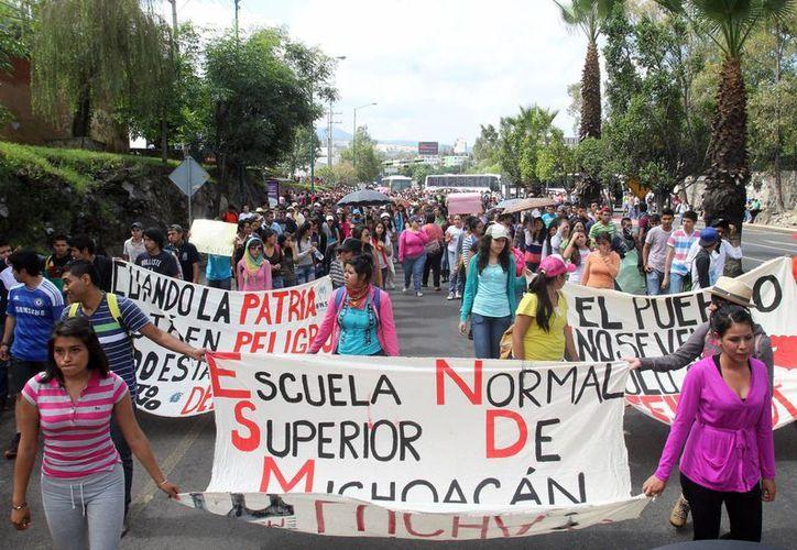 Además de la marcha en el DF, los integrantes de la CNTE planean marchar este jueves en Morelia. (Notimex/Foto de contexto)