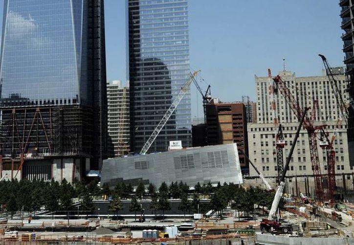 Vista de las obras de construcción del 'Memorial del 11S' que se está construyendo en la zona cero de Nueva York. (Archivo/EFE)