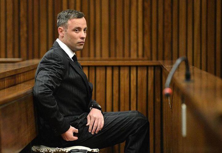 Fotografía de Oscar Pistorius durante su comparecencia en una audiencia de sentencia en Pretoria, Sudáfrica, este lunes 13 de junio de 2016.  (Phill Magakoe, Pool Photo via AP)