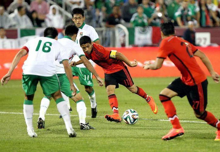 Tras el Mundial, la Selección Mexicana no ha perdido ningún juego por lo que mejoró en la clasificación mensual de la FIFA. (Notimex)