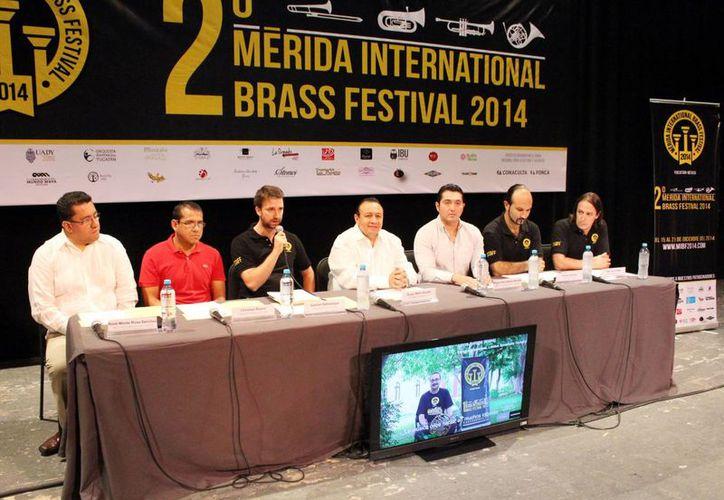 Autoridades de cultura y artistas presentaron en una conferencia de prensa el Mérida International Brass Festival. (Milenio Novedades)