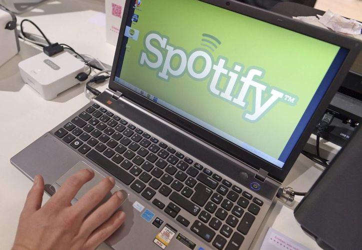 Spotify es uno de los servicios de música por streaming más populares del mundo. La semana pasada, cambió su política de privacidad, ocasionando una ola de críticas por ello. (EFE)