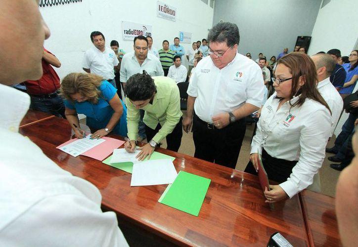 La negociación entre el PRI, PVEM y Panal han iniciado las negociaciones rumbo a la contienda electoral. (Jorge Carrillo/SIPSE)