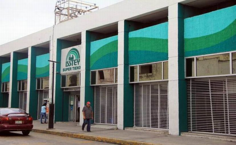 Buscarán que los derechohabientes activos, jubilados y pensionados tengan la menor afectación. (Novedades Yucatán)