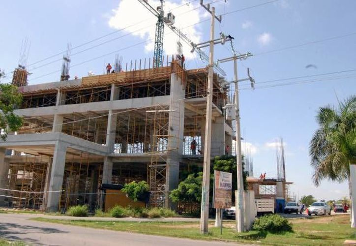 La Construcción retrocedió 6.3 por ciento. (Archivo/SIPSE)