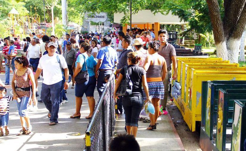 Se registra elevada afluencia en el parque del Centenario. (Milenio Novedades)