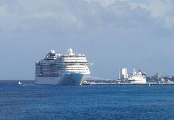 En la actualidad, cada vez son más los pasajeros que eligen un crucero para viajar. (Christian Coquet/SIPSE)