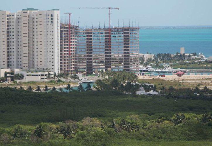 Los inversionistas deben tener la seguridad de comprar terrenos y construir. (Luis Soto/SIPSE)