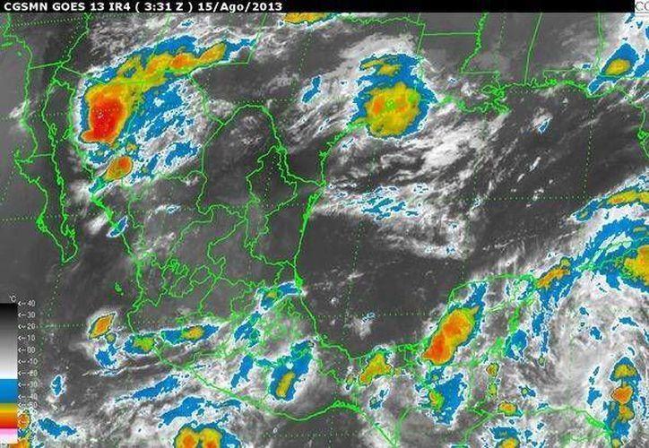Pronostican lluvias intensas a causa de la onda tropical número 13 que ha perdido fuerza. (Conagua)