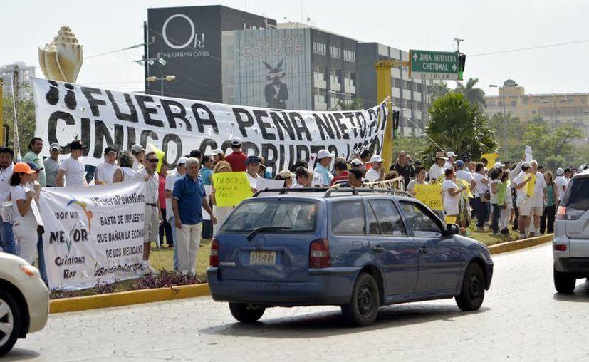 """Manifestación en la conocida glorieta de """"El Ceviche"""". (Karim Moisés)"""