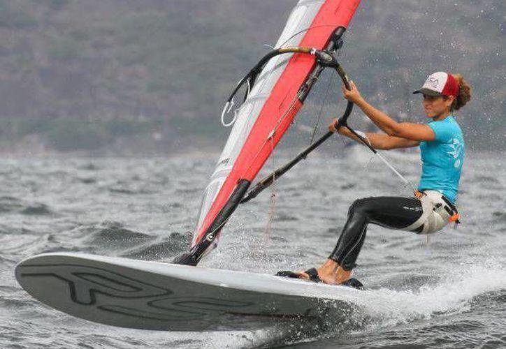La velerista se encuentra a la expectativa para saber si obtendrá un lugar para los Juegos Olímpicos de Rio de Janeiro 2016. (Redacción/SIPSE)