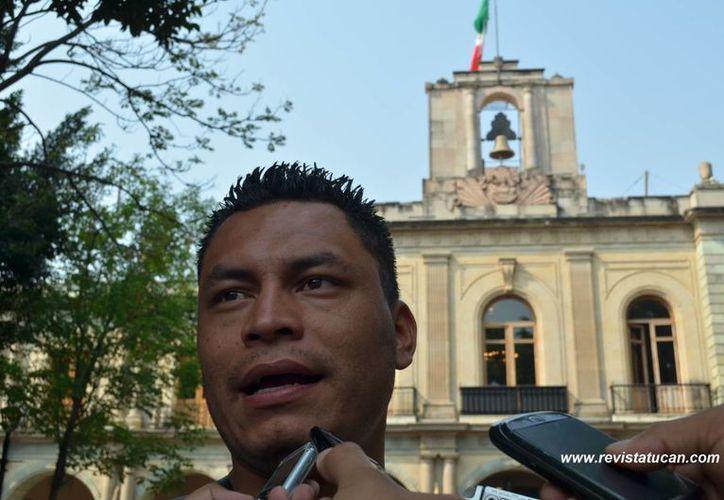 El reportero ultimado, Alberto López Bello, en imagen de mayo de 2013. (Foto: http://revistatucan.com)