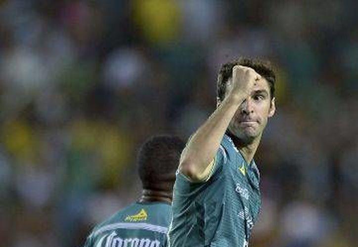 El Argentino Mauro Boselli completó el proceso de  naturalización y podrá jugar como mexicano en el clausura 2016 con el Club León.(AP)