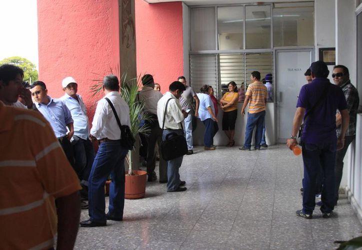 Mil 300 burócratas han quedado desempleados en Chetumal. (Harold Alcocer/SIPSE)