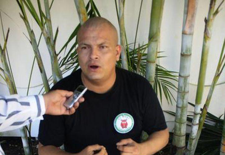 El entrevistado dijo sentirse defraudado de las autoridades, mismas que lo utilizaron en la imagen de sus campañas electorales. (Harold Alcocer/SIPSE)