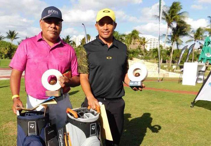 Hobb Maces y Rafael López fueron los ganadores del torneo. (Ángel Villegas/SIPSE)