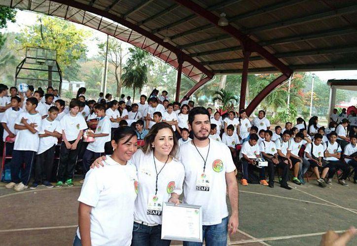 Las actividades se desarrollaron en las instalaciones del domo deportivo de la población de San Ángel. (Raúl Balam/SIPSE)