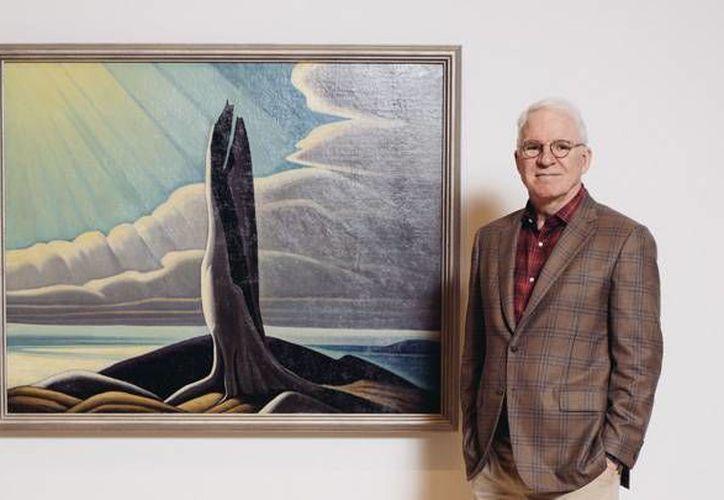 El actor Steve Marti es el curador de la exposición, 'La idea del norte: pinturas de Lawren Harris', la cual será inaugurada este domingo en el Museo Hammer de Los Ángeles. (AP)