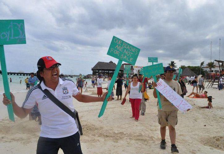 Manifestación hecha el 29 de abril, unos días después de que los diputados aprobaron la reforma. (Adrián Barrreto/SIPSE)