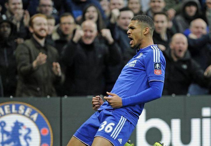 El jugador del Chelsea Ruben Loftus-Cheek celebra un gol al Scunthorpe durante el partido de la FA Cup en Stamford Bridge, Londres. (EFE)