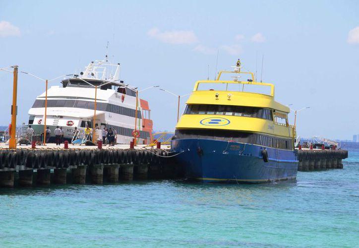Ultramar y Barcos México prestan el servicio de cruce Playa del Carmen-Cozumel y viceversa. (Octavio Martínez/SIPSE)