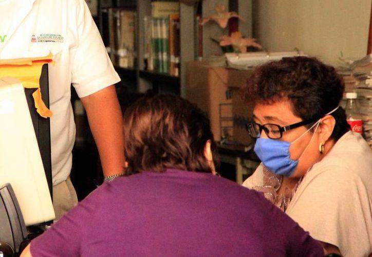 Los especialistas recomiendan cubrirse la boca si presenta infección respiratoria. (Milenio Novedades)