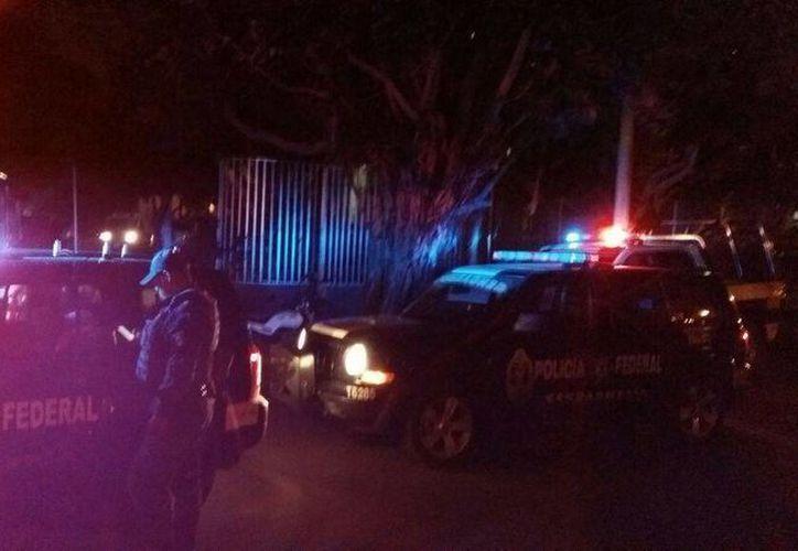 Al lugar acudieron elementos de la Gendarmería, así como Policías Judiciales. (Redacción/SIPSE)