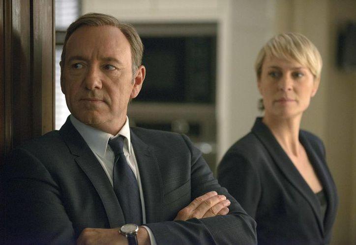 Kevin Spacey y Robin Wright son los protagonistas de 'House of Cards', cuya tercera temporada fue estrenada por error. (nbcnews.com/Foto de archivo)