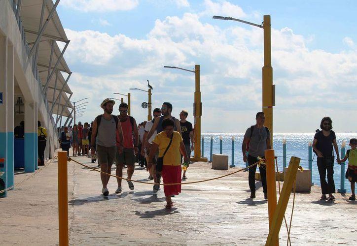 Tres navieras prestan el servicio de cruce de Playa del Carmen a Cozumel. (Octavio Martínez/SIPSE)