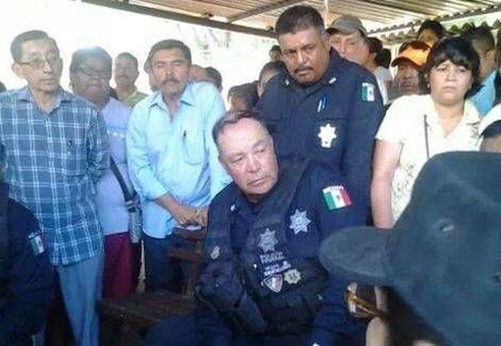La Policía Federal está negociando con elementos comunitarios la liberación del comandante 'Espartaco'. (Milenio)