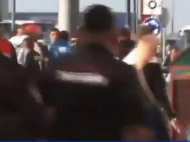 Ni siquiera había empezado el partido, y ya argentinos y croatas se estaban dando con todo afuera de un estadio en Rusia (Imagen: clarin.com)