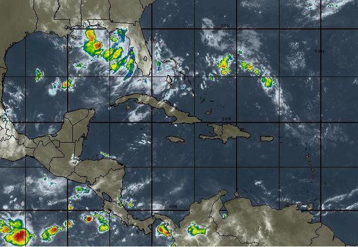 Para hoy se espera cielo mayormente nublado y cero por ciento en probabilidad de lluvias en Cancún. (Intellicast)