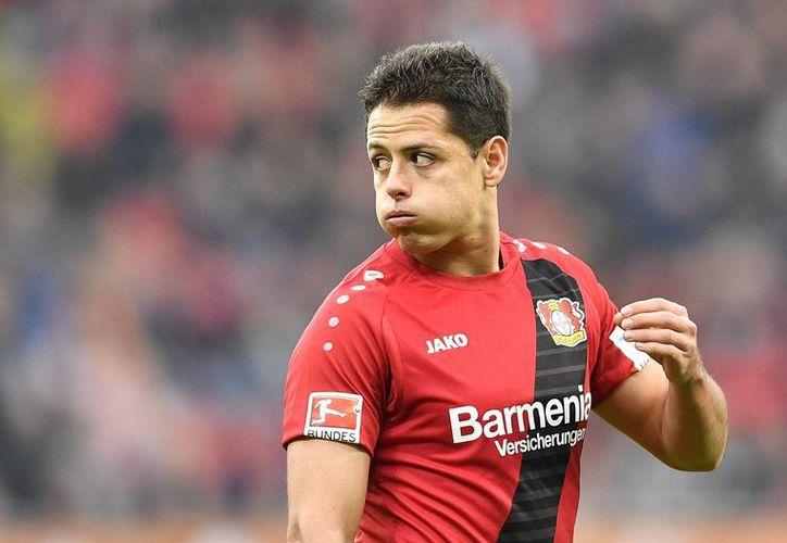 Javier Hernández fue sustituido en los últimos minutos del segundo tiempo, cuando el Leverkusen y su rival empataban a un gol. (Martin Meissner/AP)