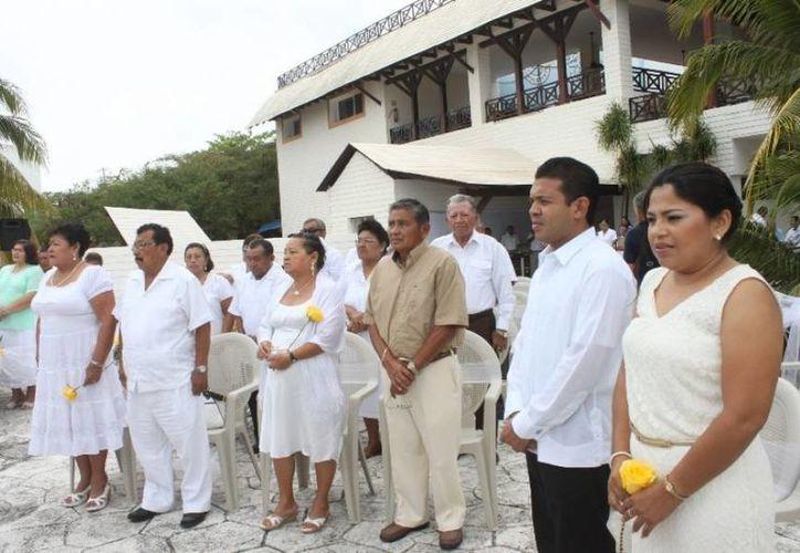 El evento fue encabezado por el presidente municipal y la presidenta del DIF. (Redacción/SIPSE)
