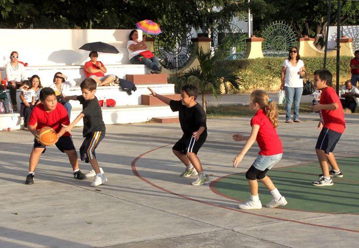 Participan cerca de 400 niños en el evento deportivo. (SIPSE)