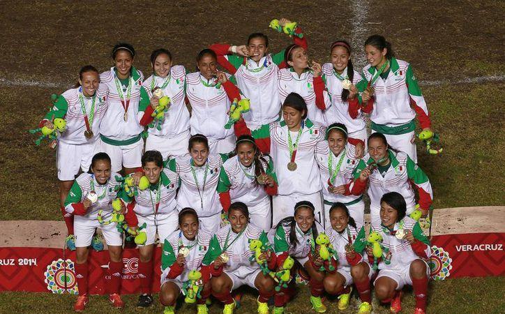 La Liga Femenil fortalecerá a las diferentes selecciones mexicanas para las competencias internacionales. La foto pertenece a la Selección Femenil durante los Juegos del Caribe.(Jam media)