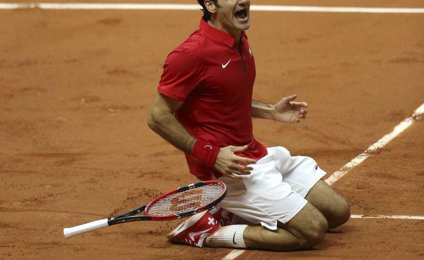 Federer derrotó al francés Richard Gasquet en un duelo de menos de dos horas. (AP)