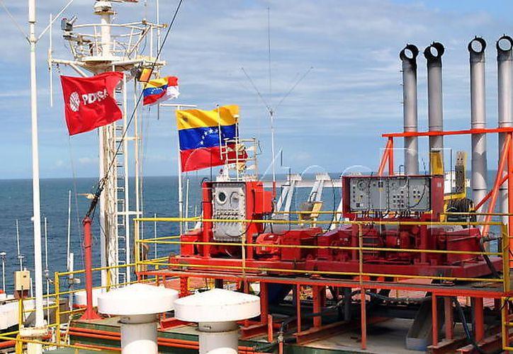 Maduro llama a la industria petrolera a cerrar filas contra ataque de Estados Unidos. (Foto: Vanguardia 24)